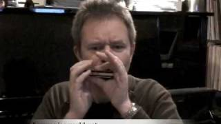 HARMONICA TUITION FROM HARMONICAWORLD Lesson on Sonny Terry style - The Ben Hewlett Harmonica Course
