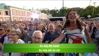Lotta Engberg ger oss sommarkänslor med ett härligt sommarmedley! - Lotta på Liseberg (TV4)