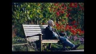 PRÉVERT, Jacques - Le désespoir est assis sur un banc.