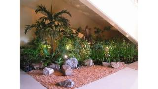 Gambar cover Pequeño jardín interior