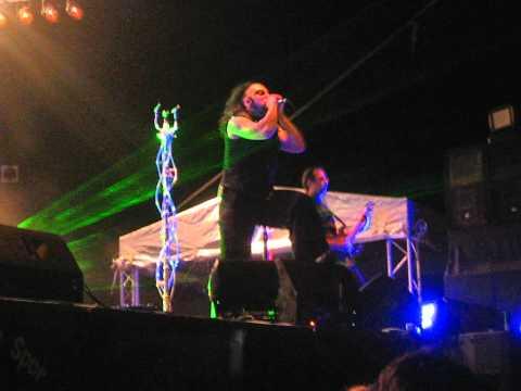 Hayko Cepkin - Sandık + Açtırdınız Kutuyu @ Foça Rock Tatili 2010