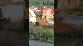 """Житель микрорайона """"Новая РЭБ"""" в Усть-Куте вывозит строительный мусор прямо к автомобильной дороге"""