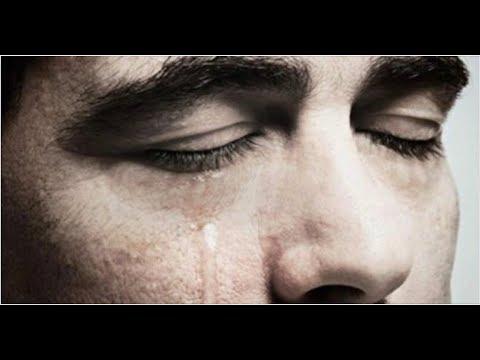 Вдруг, тишину реанимации разорвал крик медсестры: «Слеза! На щеке слеза! Он плачет!»