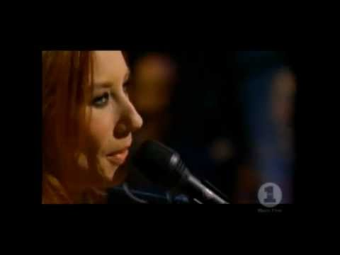 Tori Amos- Tear In Your Hand - Live VH1