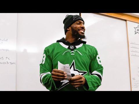 Dez Bryant Attends Dallas Stars Game, Calls Starters In Locker Room