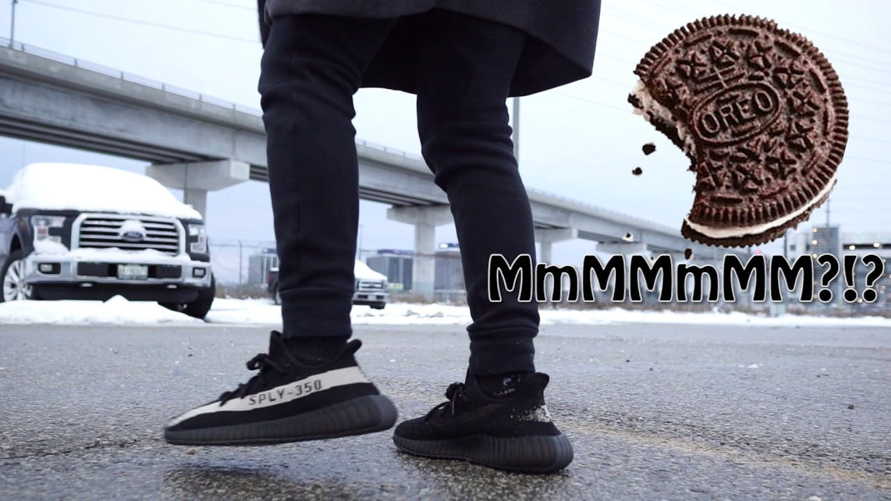 806c6555e3b9 YEEZYS IN THE SNOW  (YEEZY 350 V2 OREO BLACK   WHITE REVIEW + ON ...
