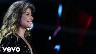 Смотреть клип Paula Fernandes - Porque A Resposta É O Amor