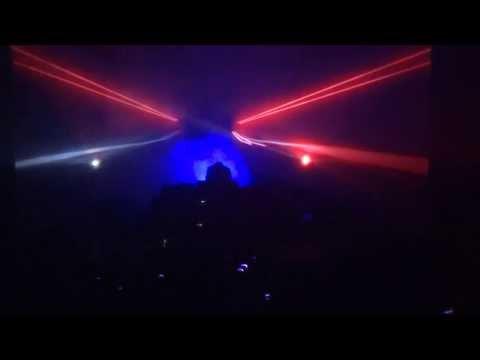 kavinsky - Odd Look (Live)