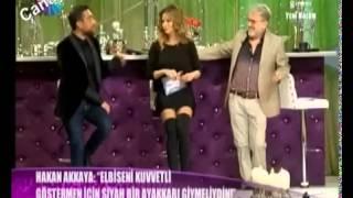 İvana Sert Özge Ulusoy Uzun Çizme Kısa Etek