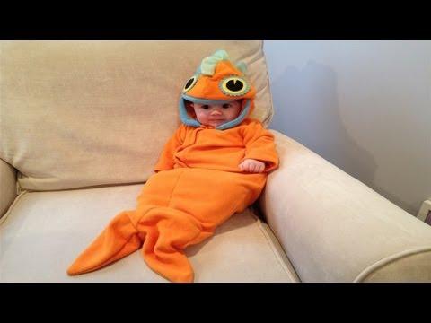 BABY GOLDFISH HALLOWEEN COSTUME   127     ThePlusSideOfThings