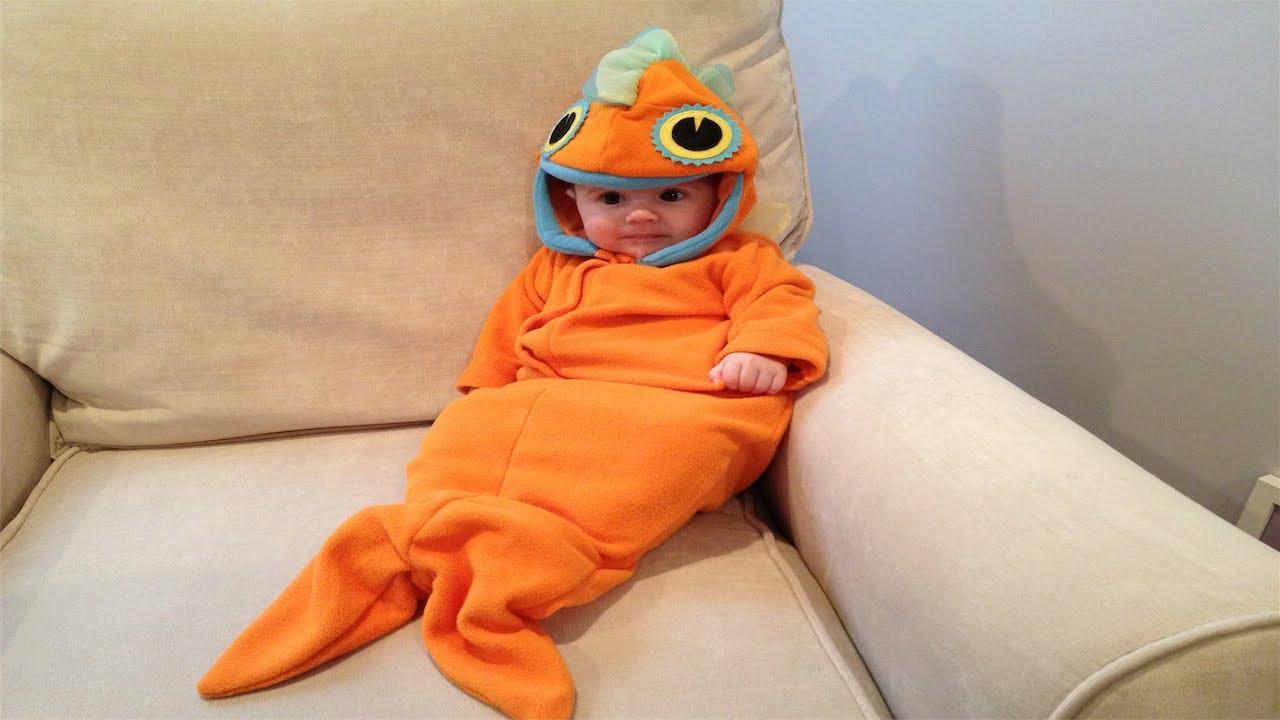 sc 1 st  YouTube & BABY GOLDFISH HALLOWEEN COSTUME ||127|| - YouTube