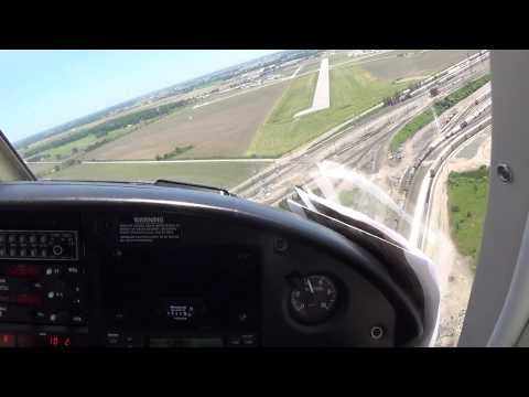 Landing in a Piper Cherkoee 180 Toledo Executive Airport