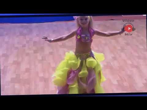 رقص شرقي الطفلة المعجزة ذات الخمس سنوات   موهبة روعة thumbnail