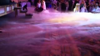 дым машина на празднике(генератор тяжёлого дыма http://www.corazon.ru/index.php/video/videosvecherinok.html., 2012-08-05T14:07:36.000Z)