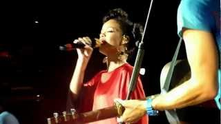 Coldplay & Rihanna - Princess of China Live @ Stade De France, Paris, 2012 HD