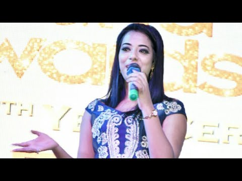 Anchor Vaishali ~ Hosting a Grand Wedding with full Energy..!!