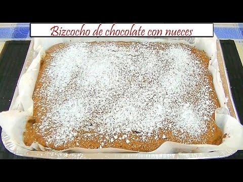 Bizcocho de chocolate con nueces | Receta de Cocina en Familia