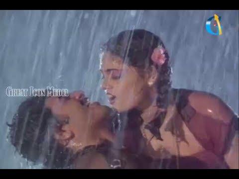 silk smitha hot raining song in paripoyina kaidelu movie