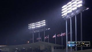 CHC@LAD: Rain falls at Dodger Stadium