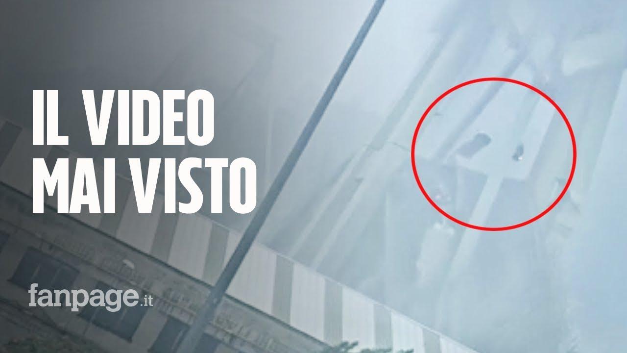 Ponte Morandi Genova, video inedito del crollo del 14 agosto: le auto