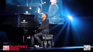 Live: John Legend Performs All Of Me