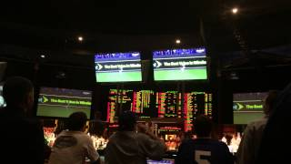 Caesars sports book erupts for Alex Gordon's World Series hit.