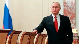Russian PM resigns, Putin moves to consolidate power