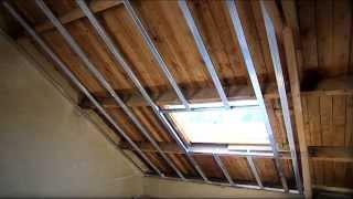 Finition d'un toit incliné avec le système PlaGyp