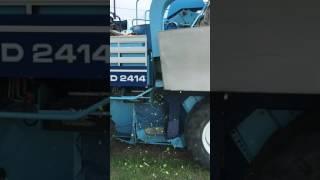 Kombajn Braud New holland zbiór porzeczki black currant harvester 2017 2414 Arek Joanna KPS agrest