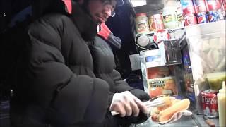 ニューヨークのホットドッグ屋さんはすごい!! thumbnail