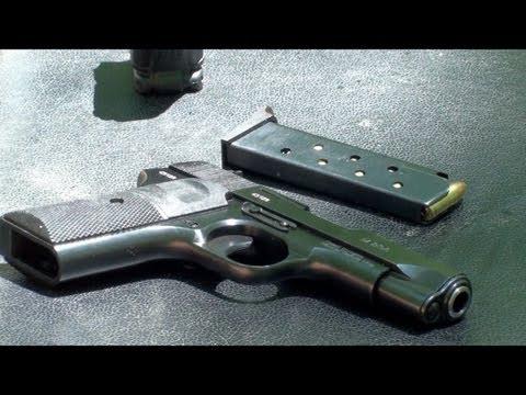 Pistola 9 mm M88A Zastava, Serbia. en Español, Vista de Cerca