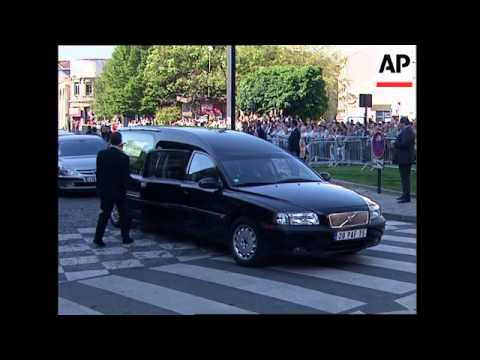 Ceremony ahead of royal burial for Louis XVII's heart