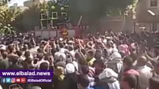 محافظ بنى سويف يتقدم جنازة شهيد القوات المسلحة بسمسطا.. فيديو وصور