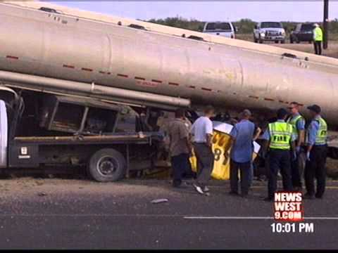 Two People Killed, Two Critical After 17 Vehicle Pileup on Interstate 20 in  Midland County