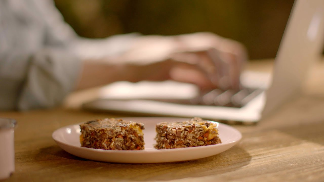 Breakfast bars 20 recipe simply nigella episode 2 bbc two breakfast bars 20 recipe simply nigella episode 2 bbc two youtube forumfinder Choice Image