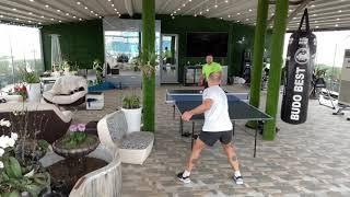Миньоны рубятся в теннис