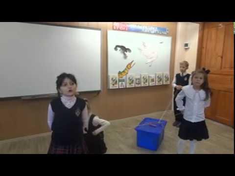 Изображение предпросмотра прочтения – «Учащиеся 2а школы 213- 2016г» читает произведение «Лебедь, Рак и Щука» И.А.Крылова