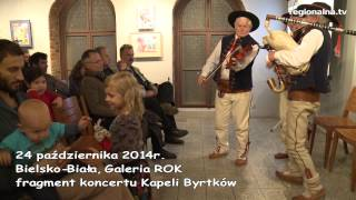 Góralska muzyka i dzieci (fragment występu Kapeli Byrtków z Pewli Wielkiej)