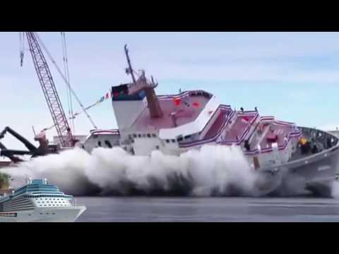 Huge ships landing in water -& -ship accident