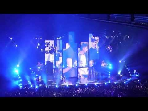 Песня Best Song Ever, live in concert for the FIRST TIME - One Direction скачать mp3 и слушать онлайн
