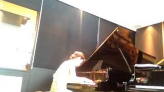 ベーゼンドルファーのスタジオにて 徳重 博子 演奏.