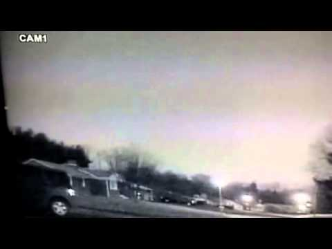 Meteor Lights up Night Sky Over Eastern United States