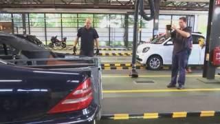Mercedes gemold voor belastingtruc