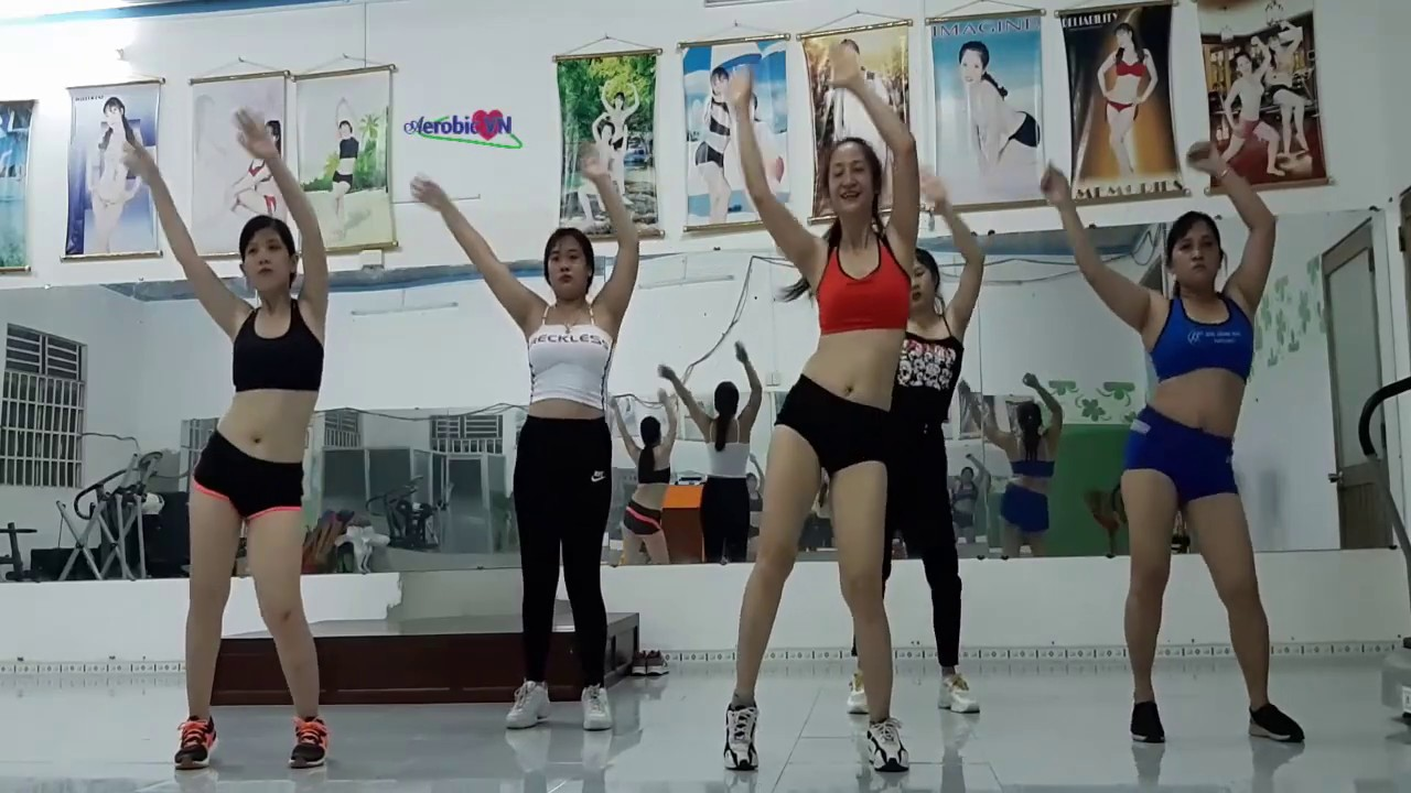 Aerobic dance helps you lose weight fast and effectively at home is very simple for beginners