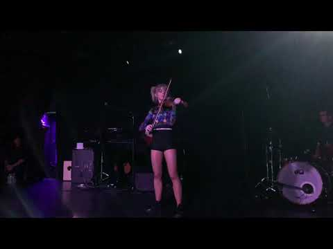 Between Twilight – Lindsey Stirling Live Premier