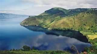 Inilah 10 Danau Terdalam di Indonesia