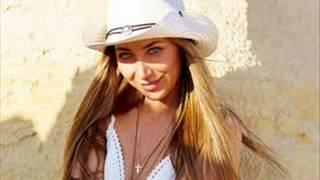 Алёна Roxis  - Освободи( новинка музыки 2013 КЛИП)(Алёна Roxis - Освободи., 2013-08-18T09:08:12.000Z)