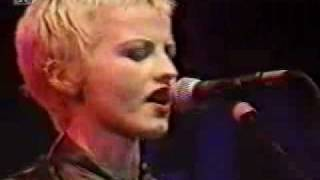 The Cranberries en vivo en Alemania 1995 How.