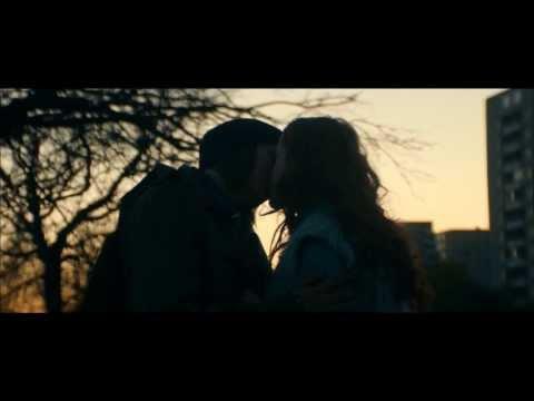Scen ur filmen IRL med Valter Skarsgård, Happy Jankell och Alba August