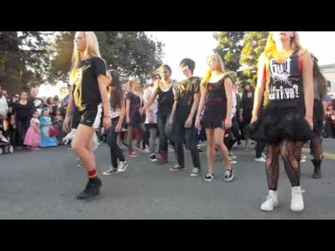 Thriller Flash Mob - Old Towne Orange - TMR The Music Room